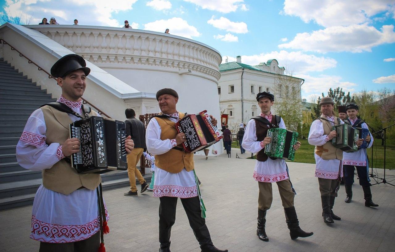 Ансамбль «Русский строй» выступил на праздничном концерте, посвященном Пасхе
