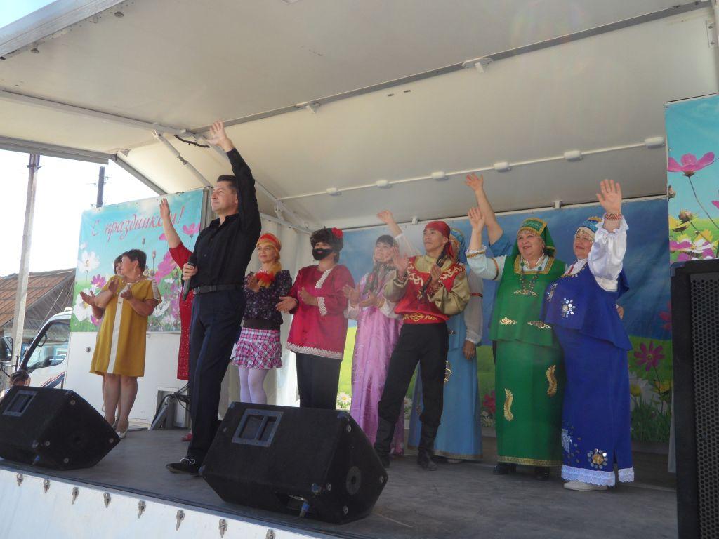 Юбилей села отметили вместе с Автоклубом областного методического центра народной культуры