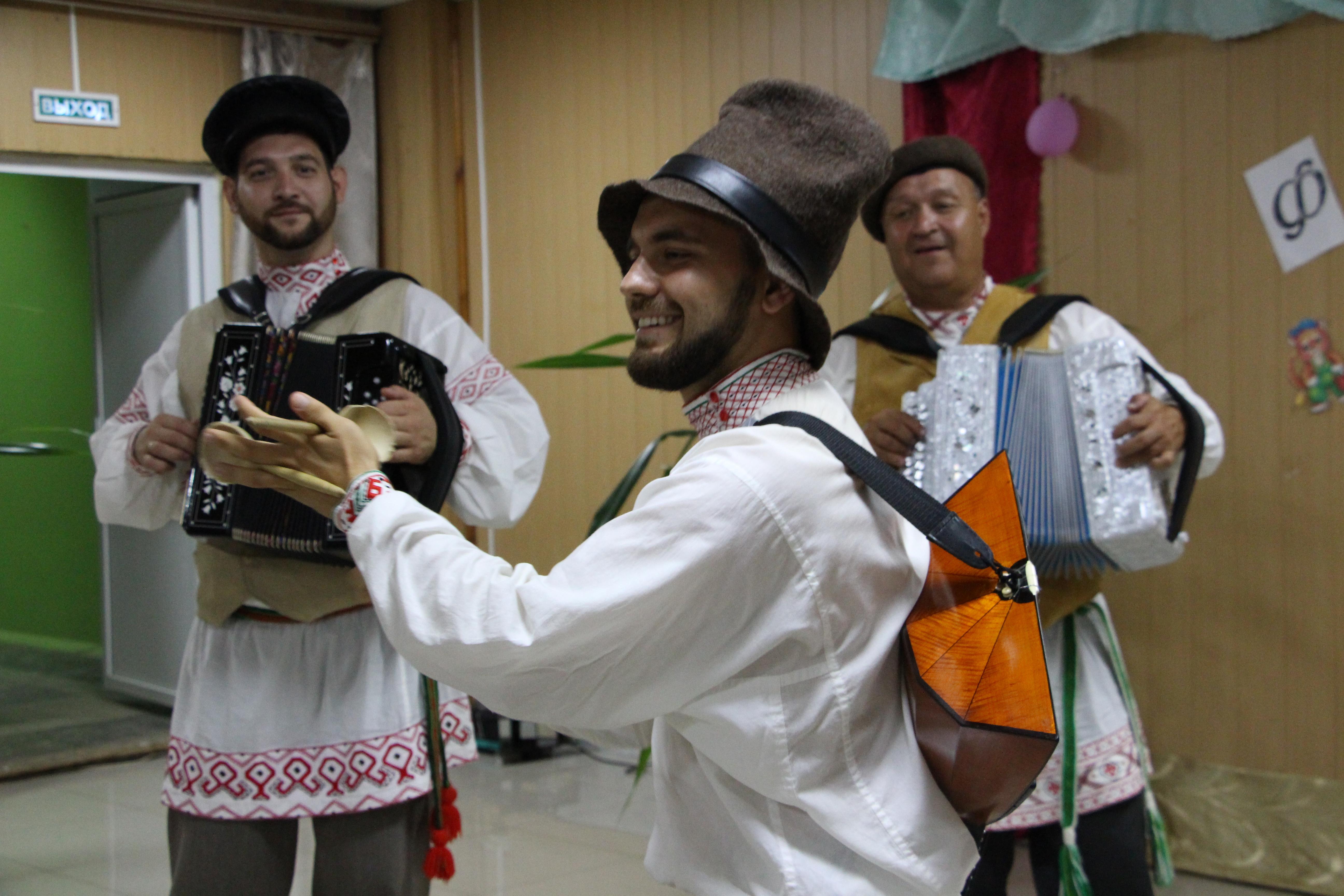 В санаторно-оздоровительном лагере «Астраханские зори» прошёл благотворительный концерт