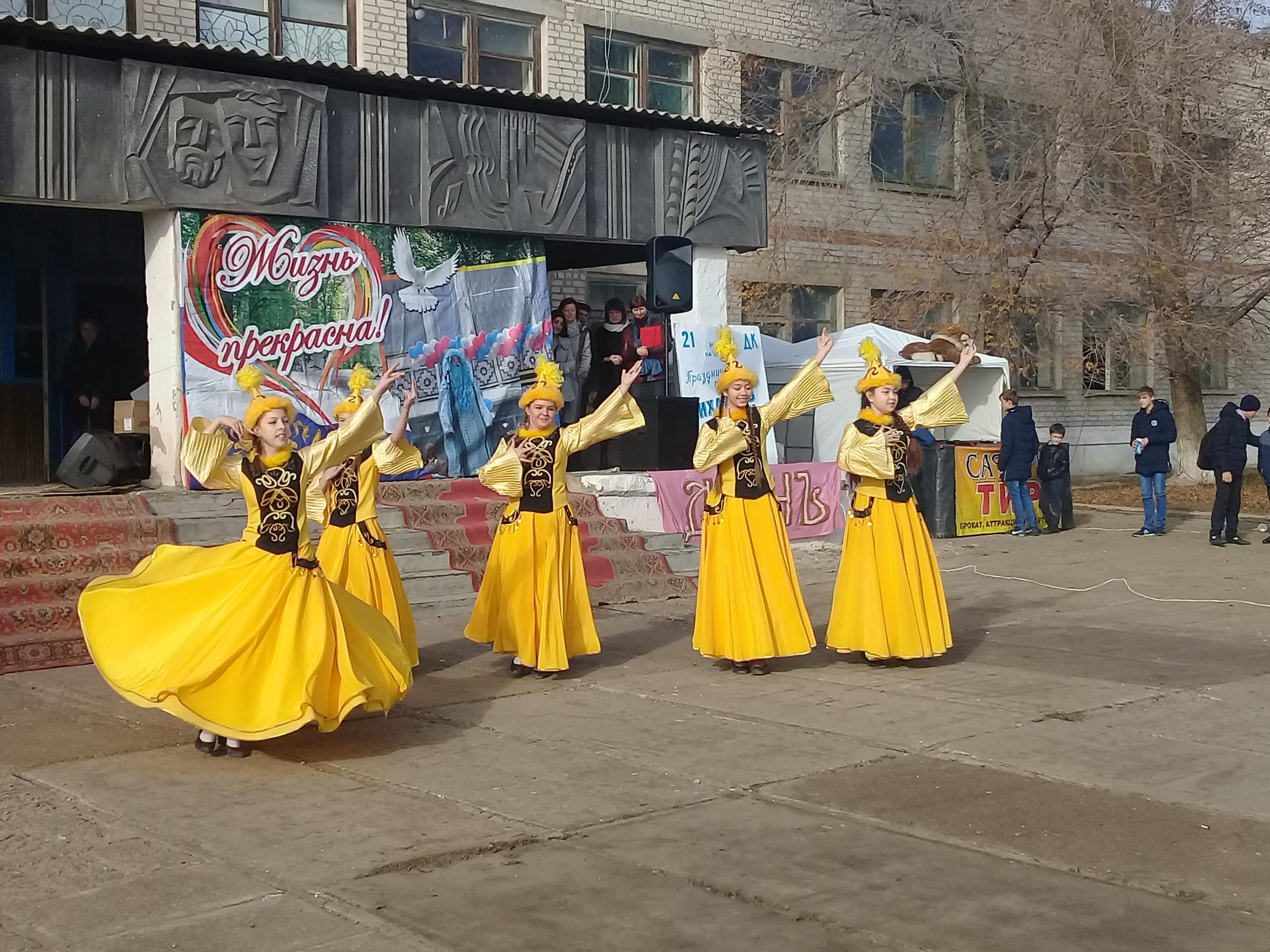 Жители села Михайловка Лиманского района отпраздновали День села