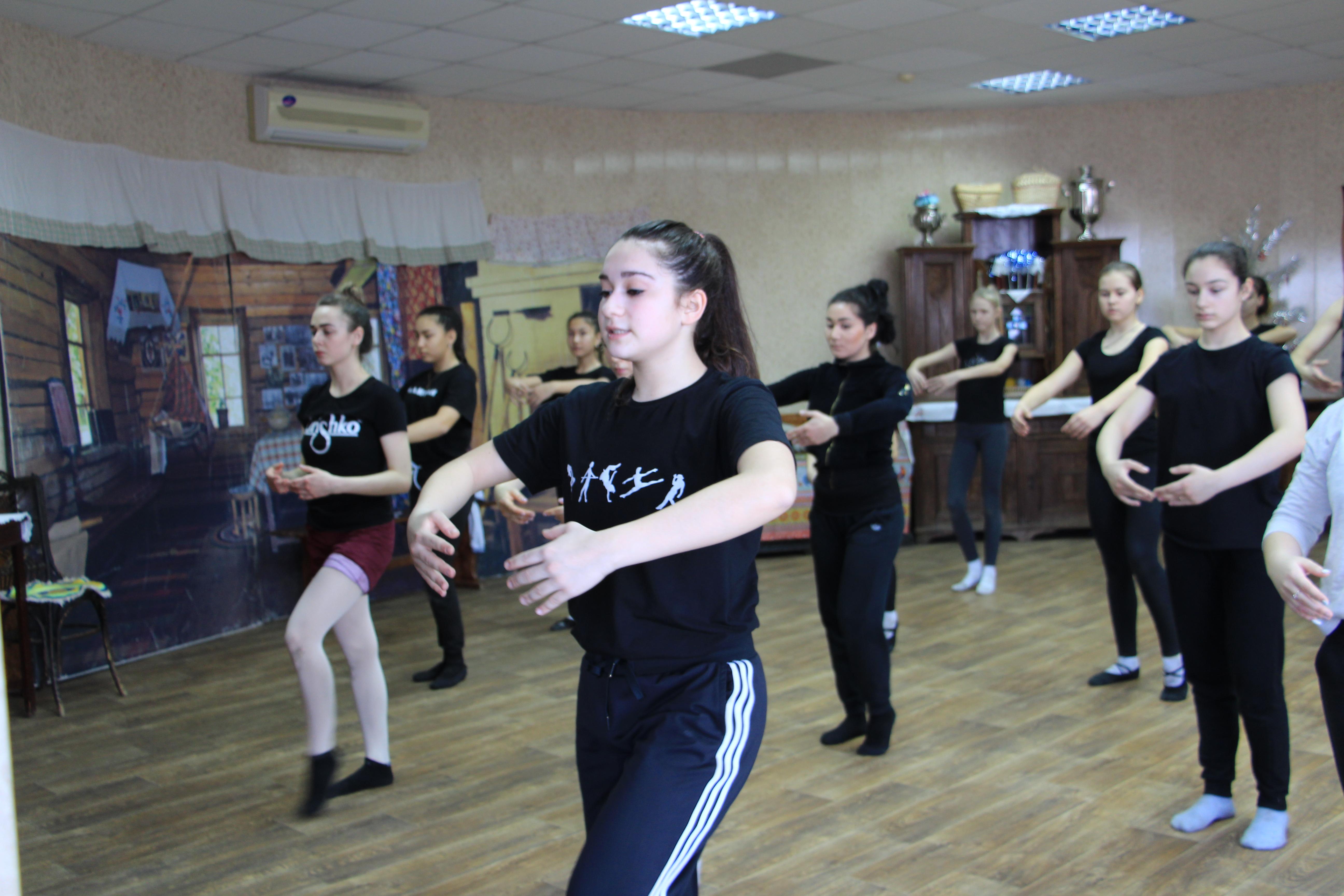 В Астрахани прошел мастер-класс по современному танцу