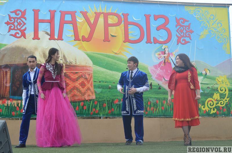 В поселке Володарский прошел районный праздник весны «Наурыз»
