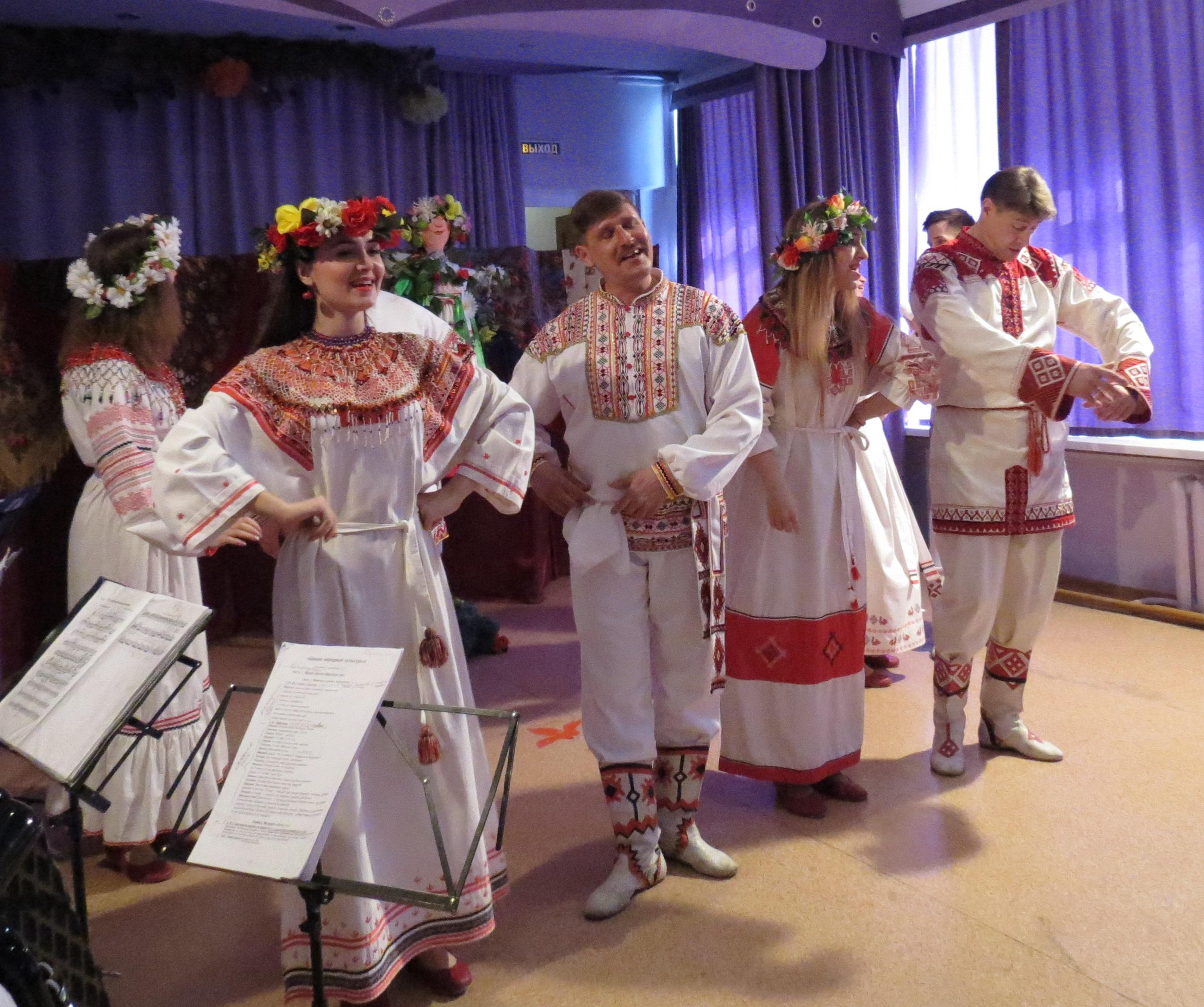 Астраханские дети знакомятся с народными традициями