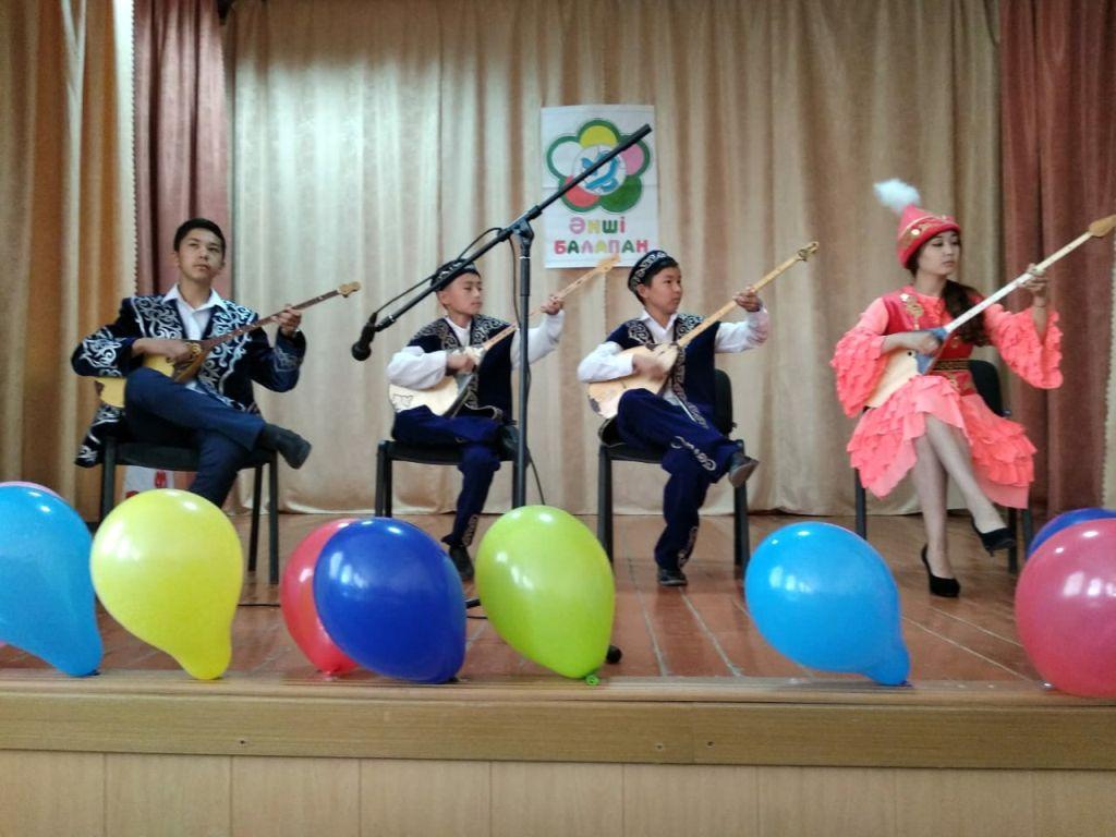 В селе Байбек прошел районный конкурс «Анше балапан»