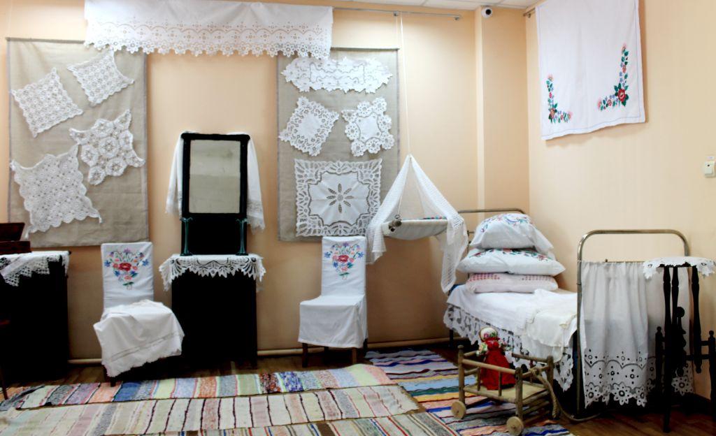 В Астрахани продолжает свою работу выставка семейных реликвий