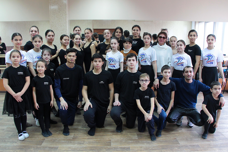 Мастер из Донецка и хореограф из Дагестана провели для астраханцев мастер-классы по ДПИ и хореографии