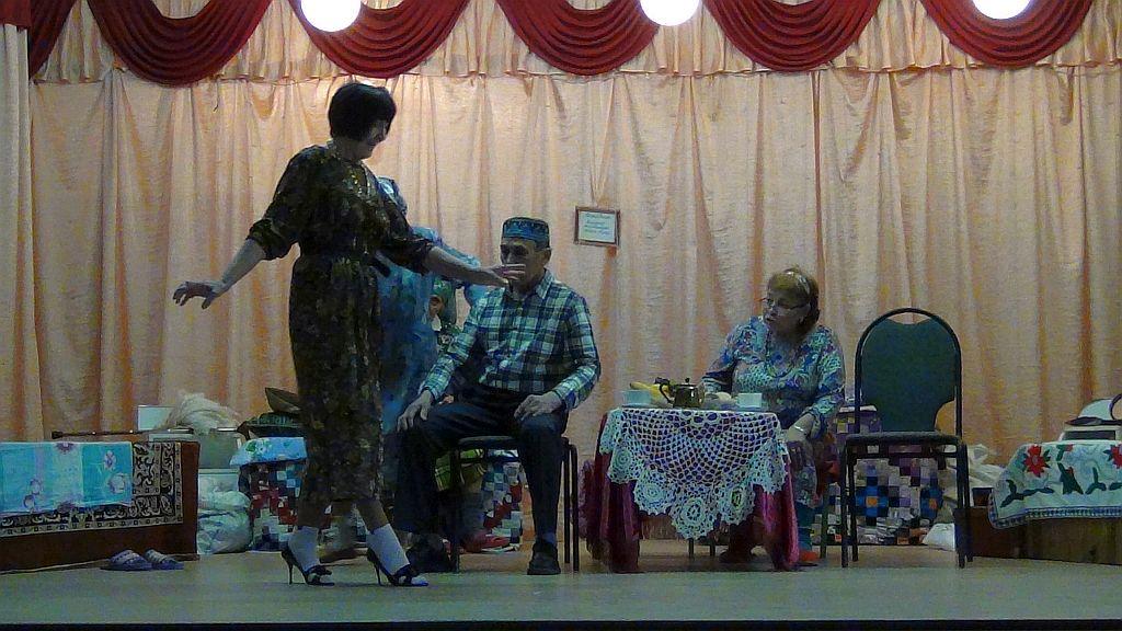 Татарский народный театр проводит выездные гастроли