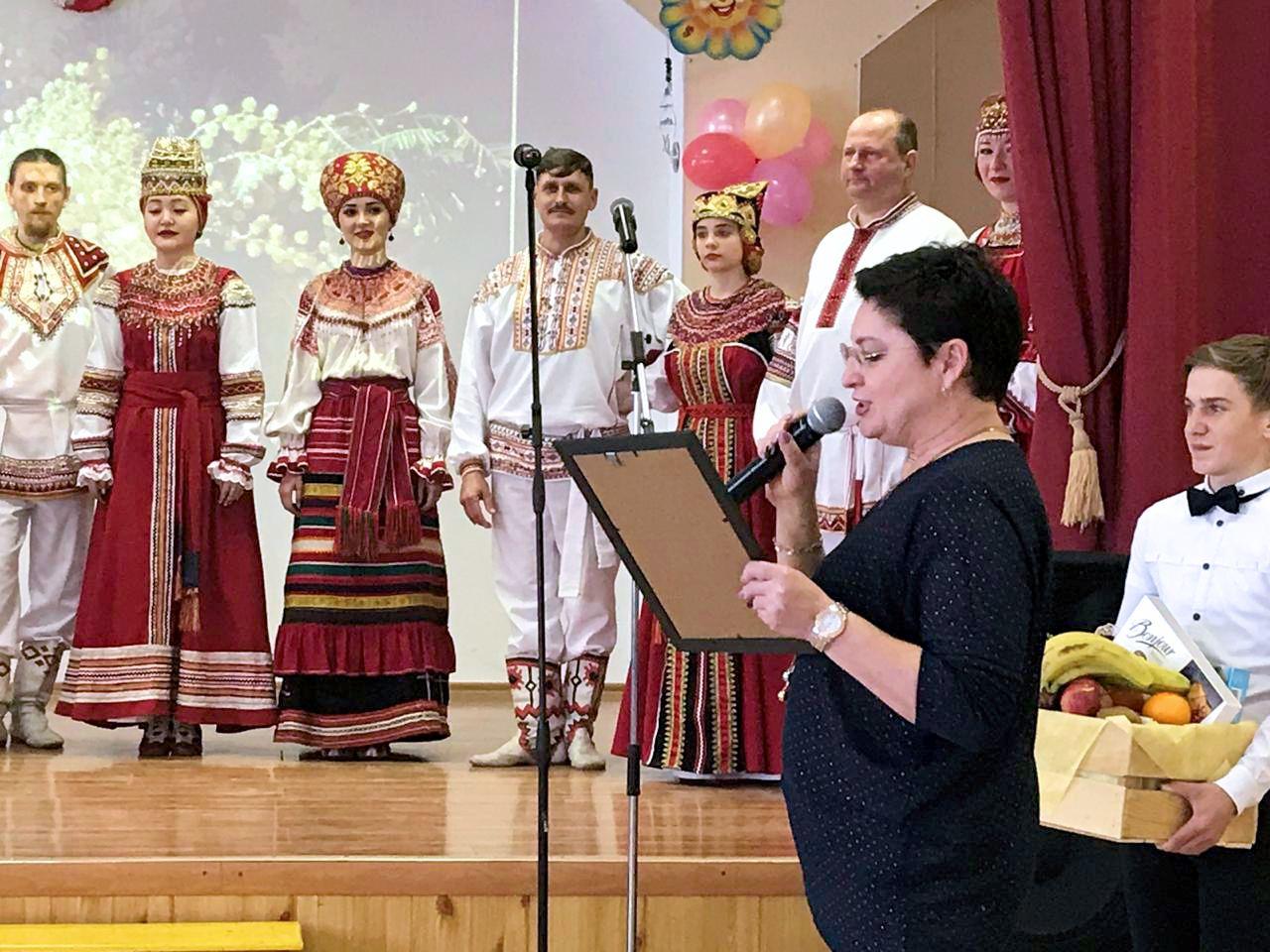 Творческие коллективы Методического центра выступили на праздничных концертах