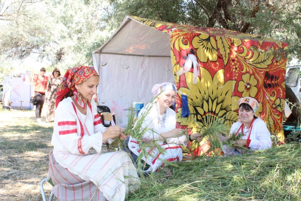 Народные гулянья прошли в субботу в селе Бахтемир
