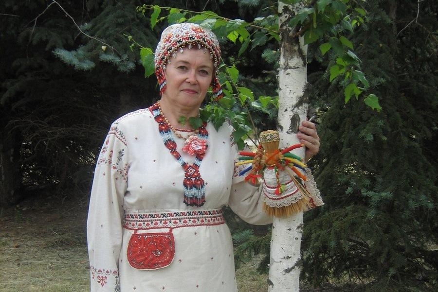 Мастер из Волгоградской области проведет для астраханцев  мастер-класс по традиционной кукле «Дареха Архангельская»