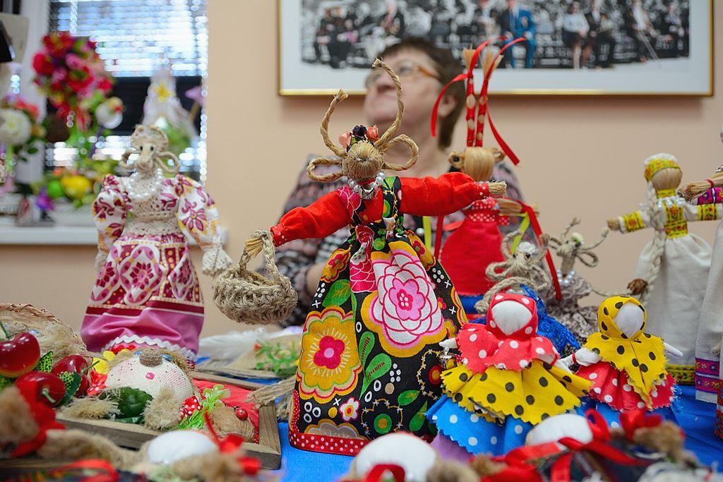 В Астрахани пройдет выставка-ярмарка новогодних подарков «Елкин базар»