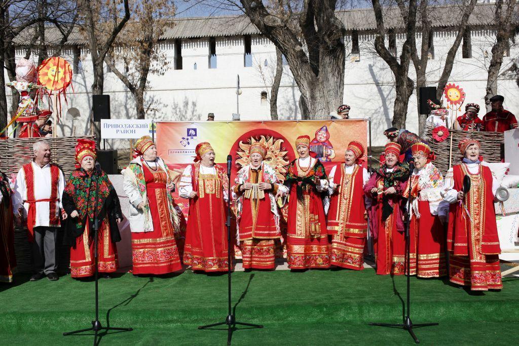 В Астрахани объявлен конкурс частушек о Масленице «Как на масленой неделе»