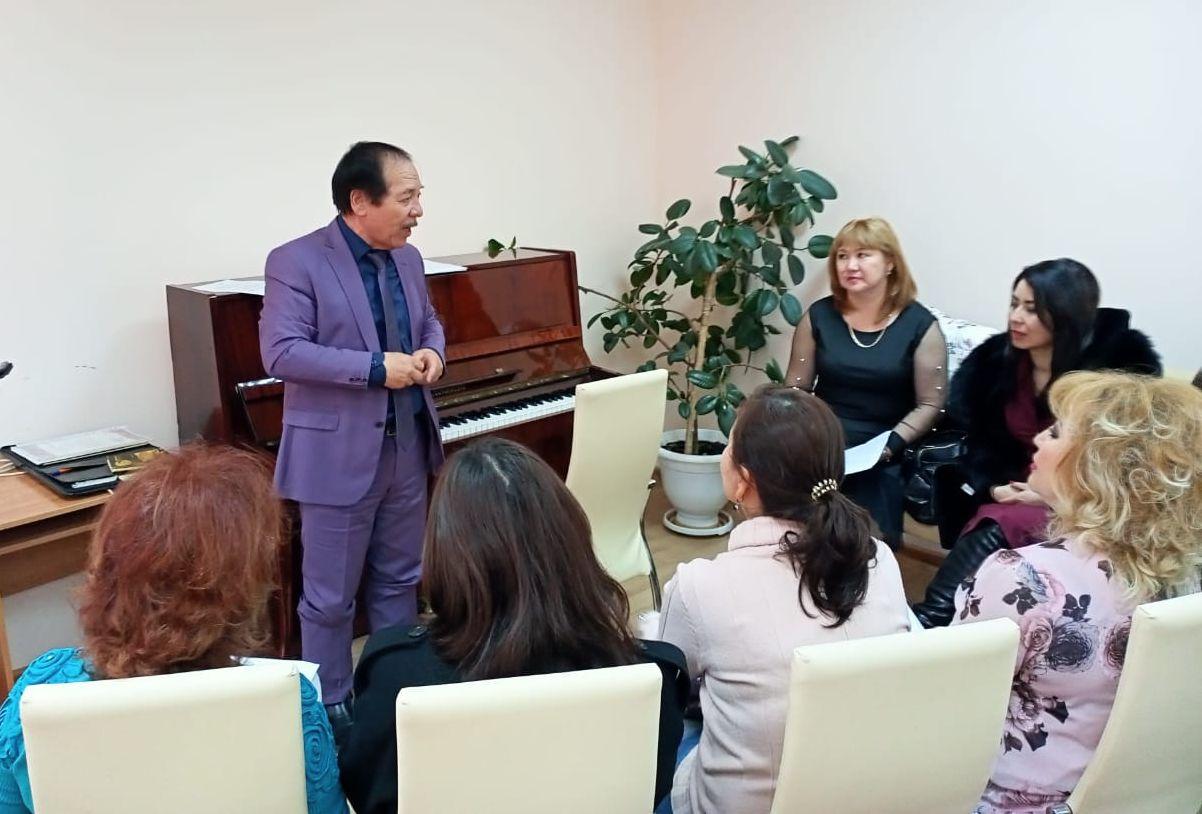 В Доме дружбы состоялся мастер-класс по вокалу