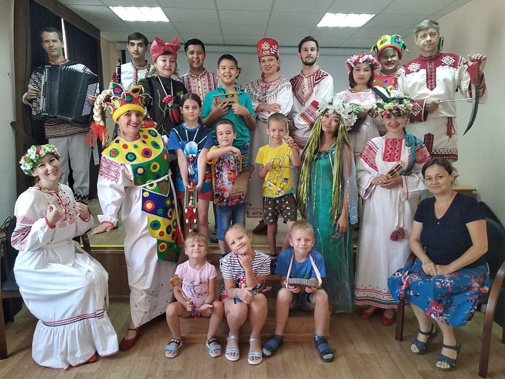 В Летней школе маленьких мастеров познакомились с народными традициями