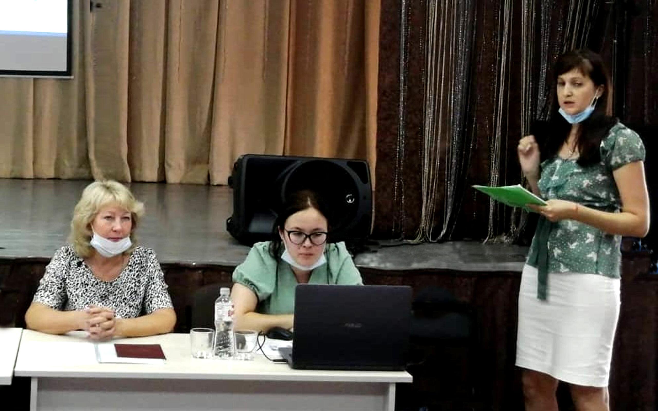 <strong>Рабочая встреча со специалистами культурно-досуговой деятельности Володарского района</strong>