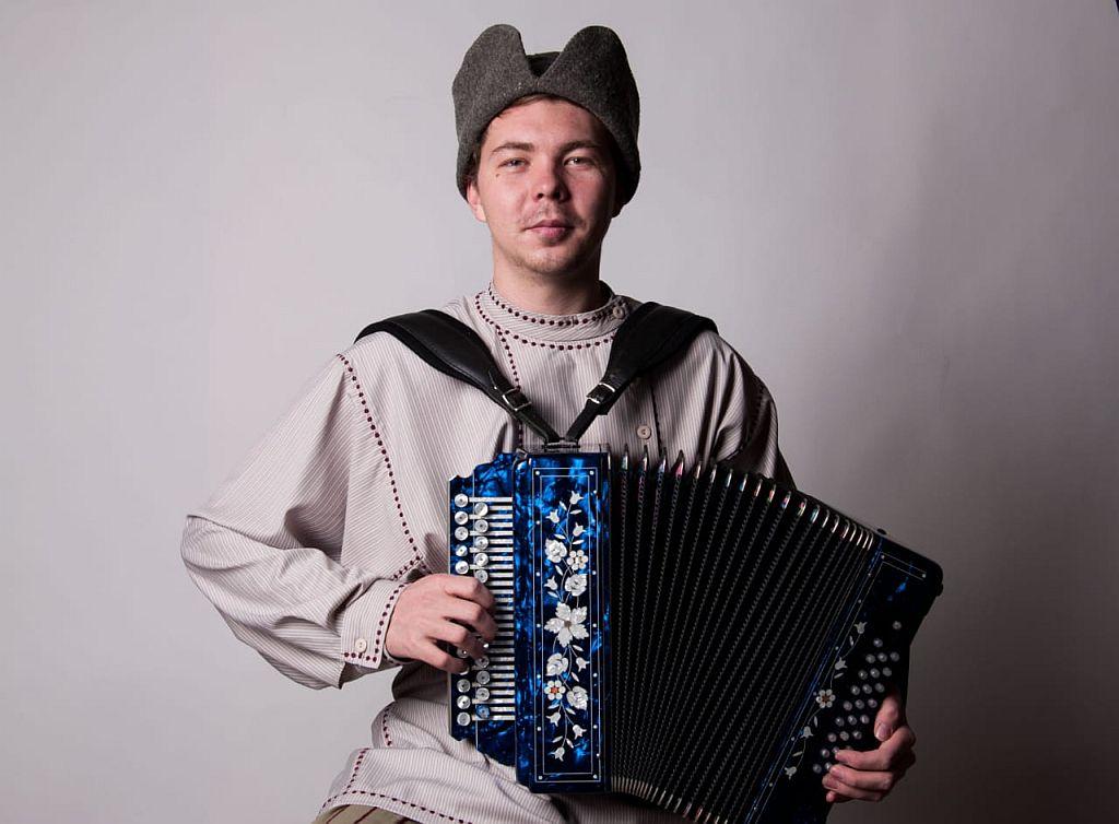 Астраханский гармонист стал Лауреатом всероссийского фестиваля «Вятские-хватские»