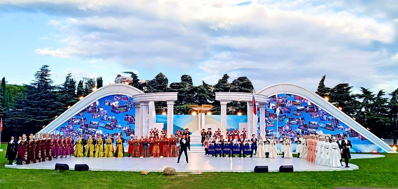 Ансамбль «Русский строй» принял участие в фестивале культуры и спорта народов Юга России