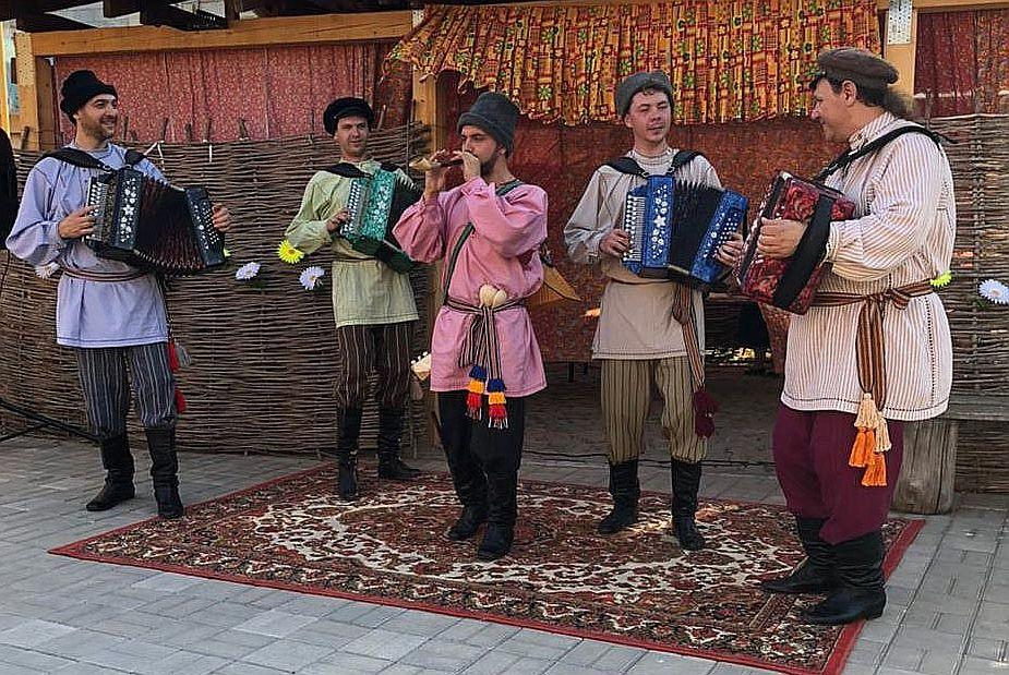 Ансамбль «Русский строй» представит наш регион на фестивале культуры и спорта народов Юга России