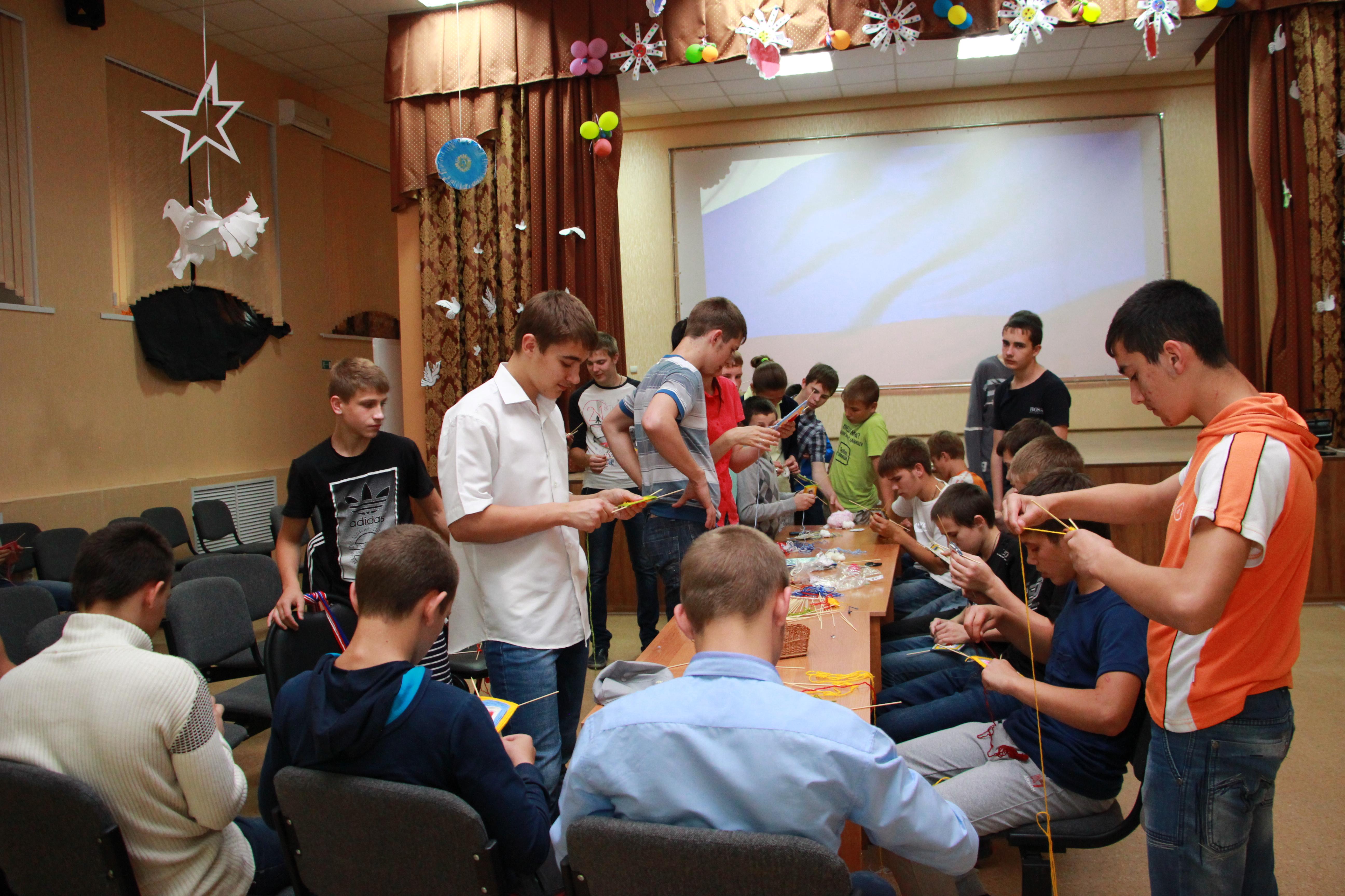 В ФГБПОУ «Астраханское СУВУ» прошло музыкально-поэтическое мероприятие «Моя малая Родина», посвященное Дню России