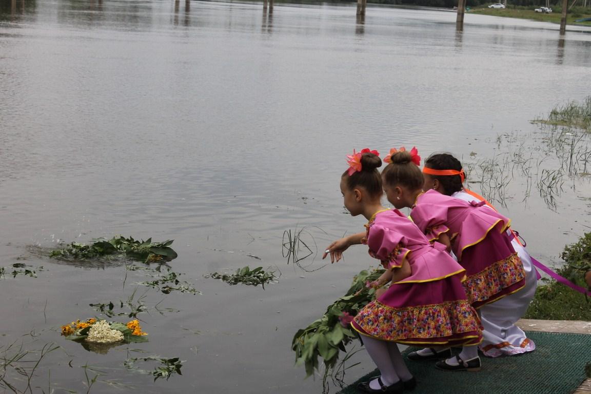 В красноярском районе прошли народные гуляния «Иван купала»