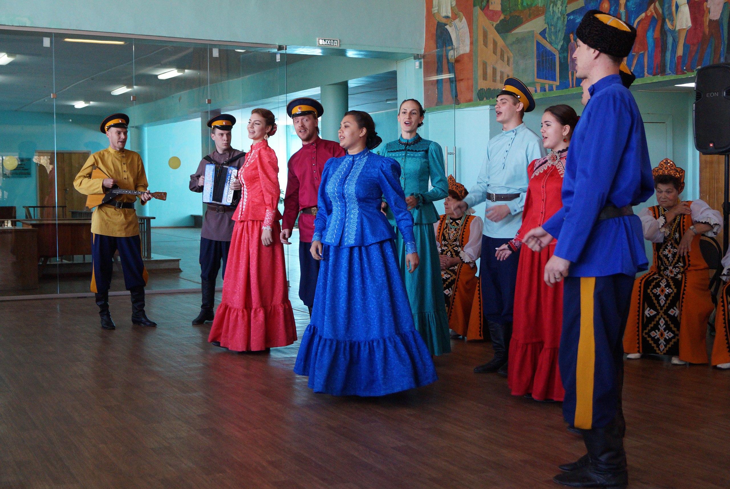 Народный хор «Русская песня» отметил юбилей