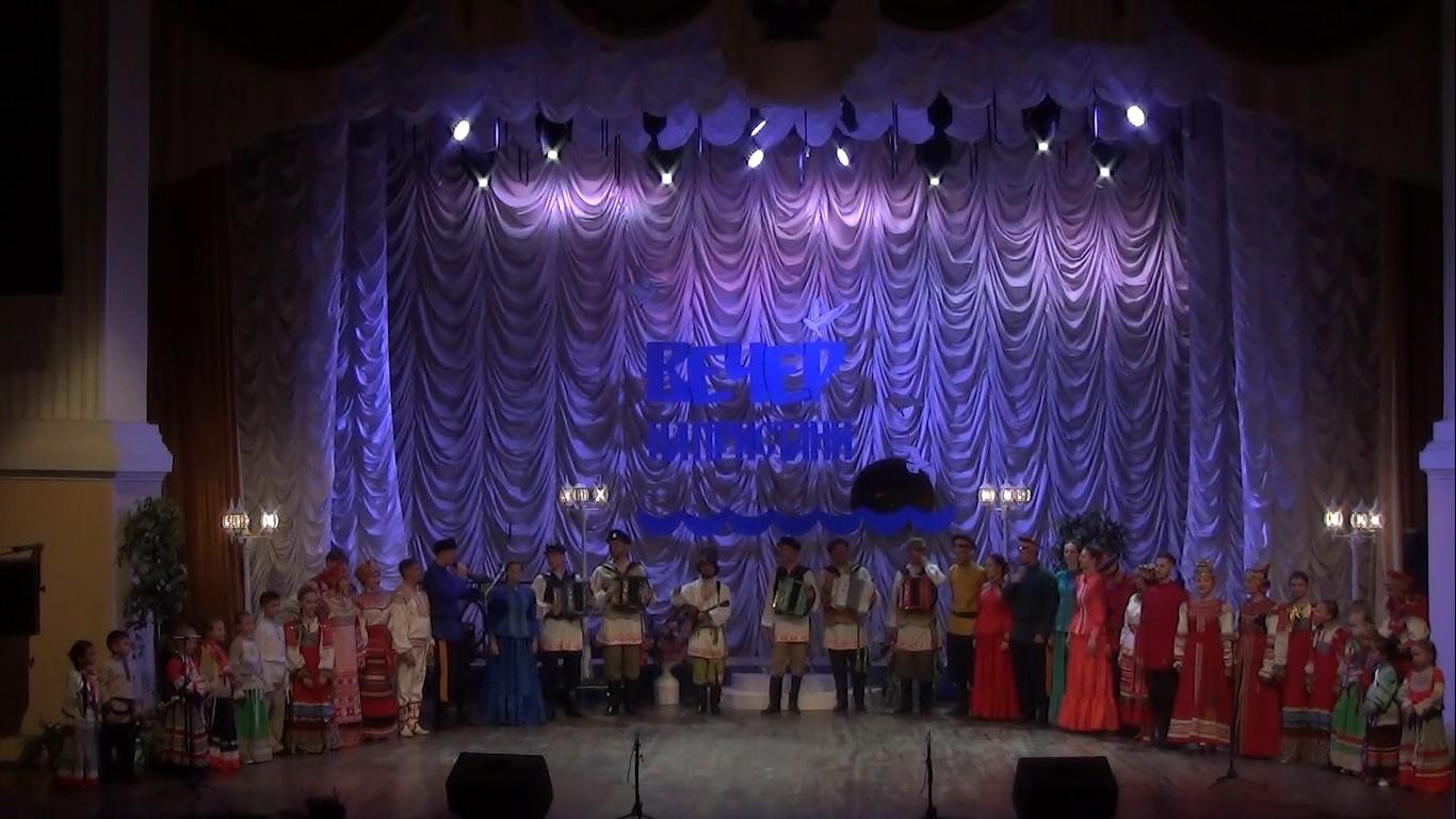 Ансамбль астраханских гармонистов «Русский строй» представил программу «Вечер на пристани»