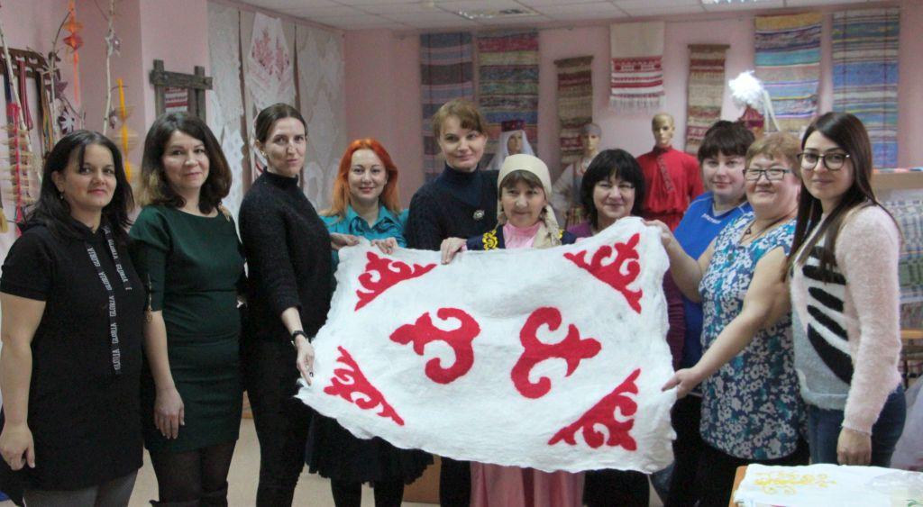 Школа национальных культур народов Астраханской области продолжает свою работу