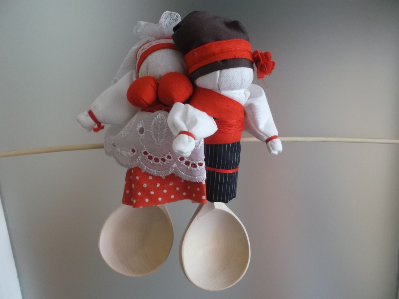 Мастер из Волгограда проведет для астраханцев  мастер-класс по свадебным куклам на ложках