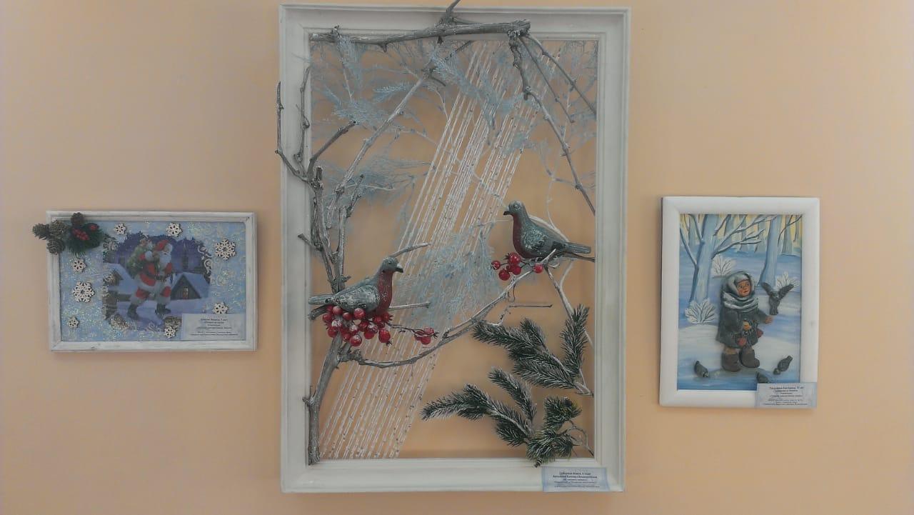 В Астрахани открылась выставка детских работ «Зимние узоры»