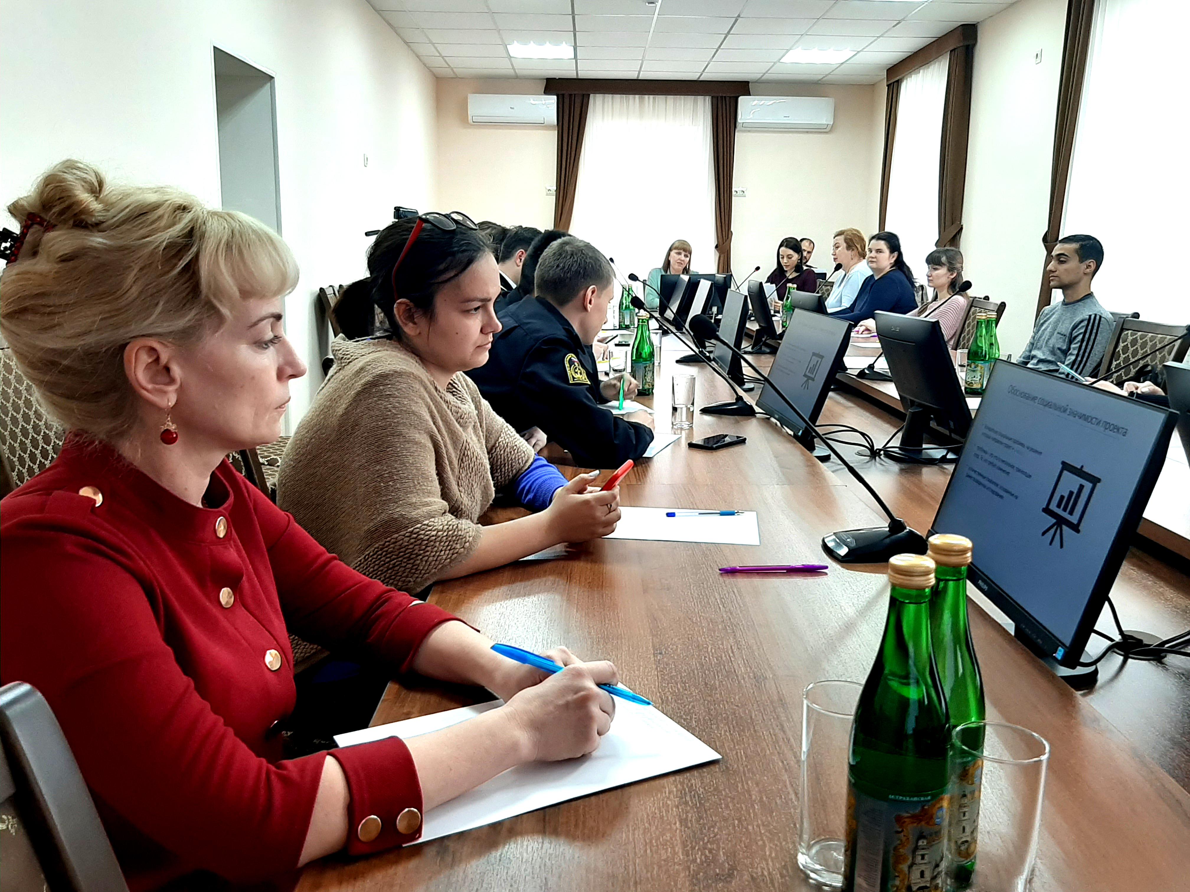 В молодежном Этноклубе обсудили вопросы проектной деятельности