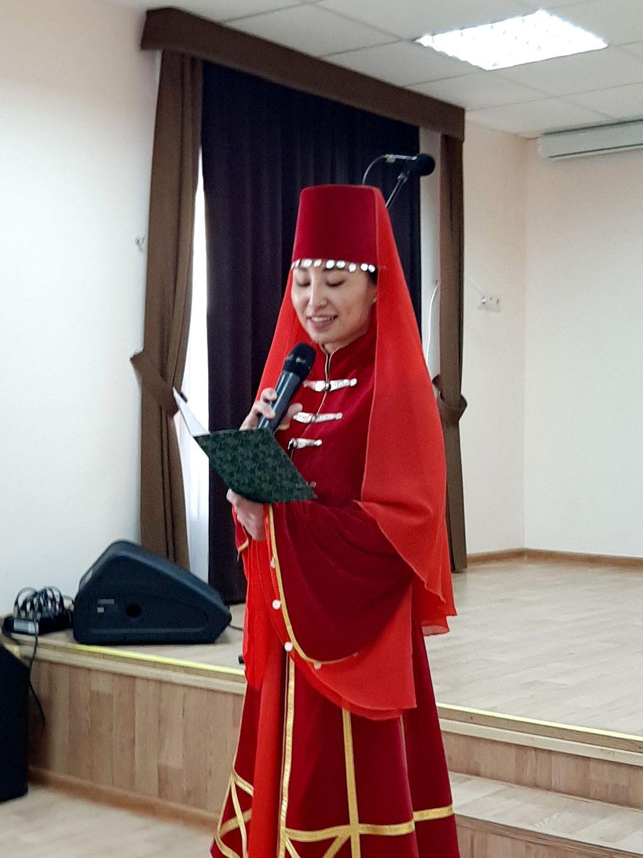 Молодежный Этноклуб провел литературный баттл