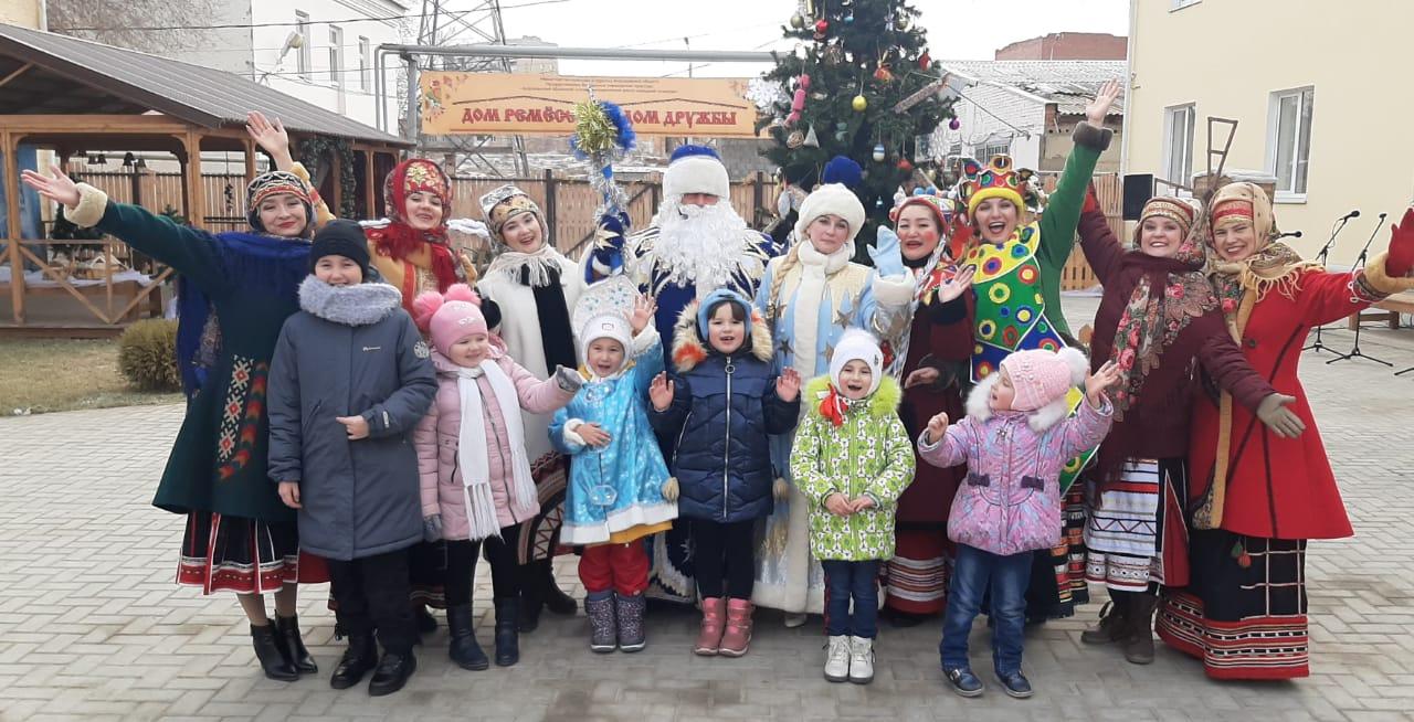 В Астрахани прошла выставка-ярмарка «Елкин базар»