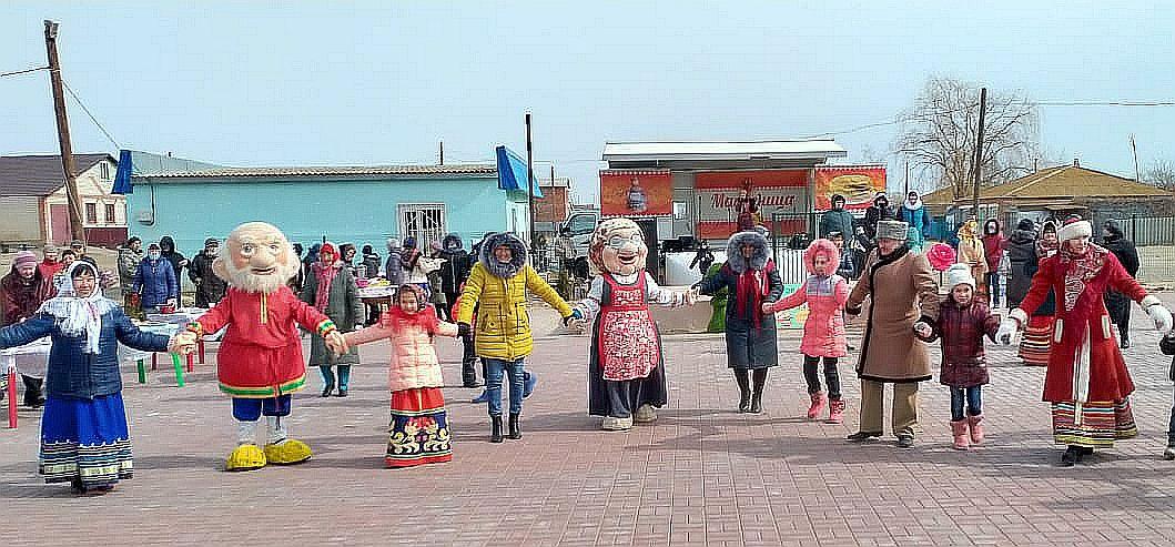 Автоклуб привозит праздник в села