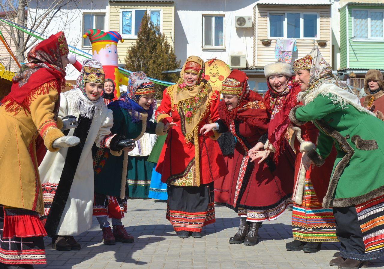 В Астрахани прошел Масленичный семейный выходной
