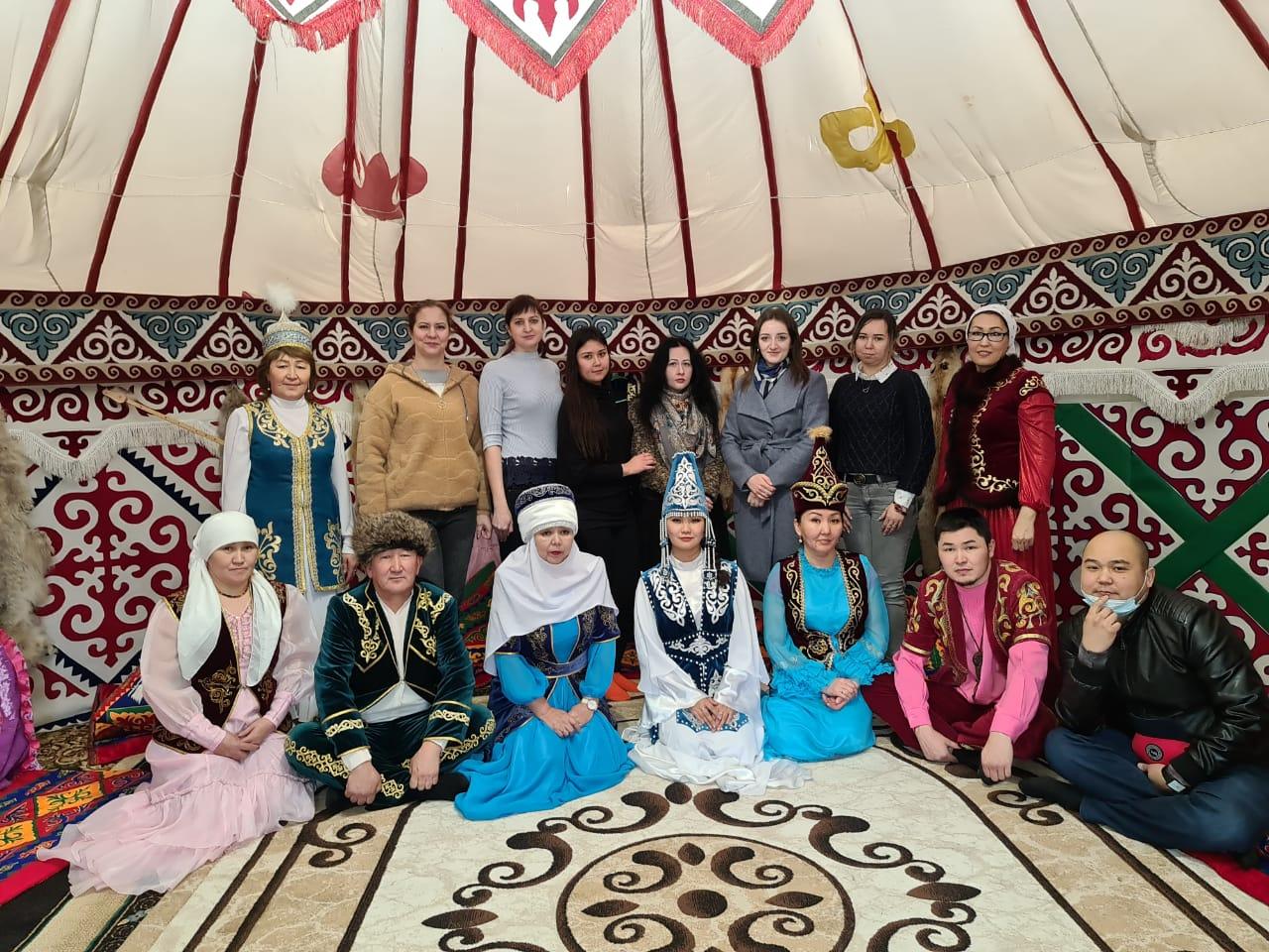 В Школе национальных культур изучили культуру казахских и калмыцких народов